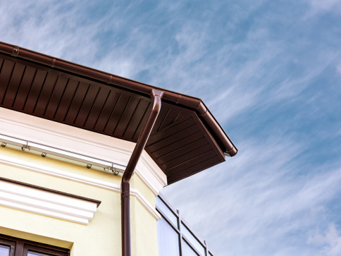 Trust our licensed and trained gutter contractors
